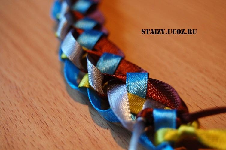 Плетение фенечек из 3 ленточек - Делаем фенечки своими руками.